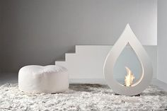 Bio fireplace is an excellent solution for those whose living spaces don't have chimneys and the possibility of installing or building a classical fireplace. Metal Fireplace, Bioethanol Fireplace, Freestanding Fireplace, Fireplace Design, Lombok, Fire Pit Designs, Interiores Design, Decor Interior Design, Home Accessories