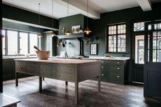 Dark green traditional wooden kitchen