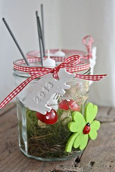 Schönsinn: DIY Guest Merchandise for New Year's Eve! Noel Christmas, Christmas And New Year, Christmas Bulbs, Xmas, New Years Party, New Years Eve, New Year's Crafts, Diy And Crafts, Diy Presents