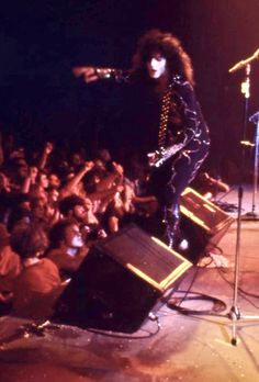 Paul Stanley, Hot Band, Classic Rock, The World's Greatest, Rock And Roll, Concert, Rock Roll, Rock N Roll, Concerts