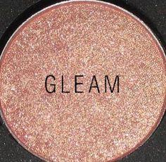 MAC Cosmetics - Products - Eye Shadows - Reds & Pinks