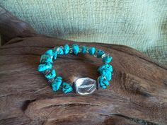 REDUCED  Turquoise and cut glass bracelet Beaded di STUFFEZES