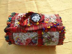 http://www.yorkette45.canalblog.com  : Les Cousettes brodées de Yorkette    ROULEAU aux ROSES