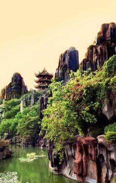 Temple at Dai Nam tourist area, Núi Bảo Sơn / Vietnam (by du than chi) -