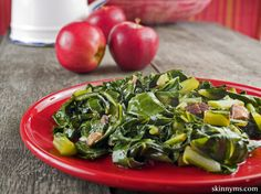 Healthy Collard Greens- a great take on the traditional Southern-style recipe. Everyone should add more dark, leafy greens to their diets! #skinnyms, #collardgreens