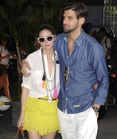 Olivia Palermo and boyfriend Johannes Huebl enjoy Christmas time holiday on the island of St. Barts. Olivia wears a beaded and layered tassel necklace that just screamed FUN!