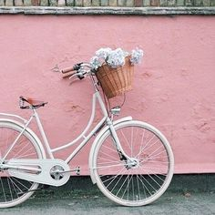 Imagem de pink, bike, and flowers
