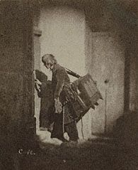 Organ Grinder at 21, quai Bourbon, Charles Nègre, before March or May 1853