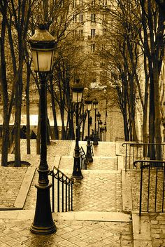 Montmartre - One of my favorite places in Paris!!