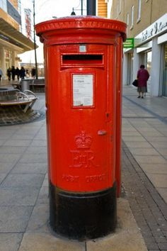 This Is The Familiar And Well Known British Post Box Still Seen Today In Romford Town Centre