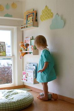 IKEA BEKVÄM spice rack - perfect for children& books! Find a great IKEA craft idea here: Make a great bookshelf for the children& room from the IKE Baby Storage, Kids Storage, Bedroom Storage, Storage Ideas, Playroom Storage, Lp Storage, Record Storage, Storage Hacks, Playroom Ideas