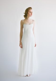 Designer: Amanda Garrett, Lizette gown Silhouette: Sheath Colour: Ivory Fabric: Lace Condition: Brand new never been worn Size: Bridal Gowns, Wedding Gowns, Australian Wedding Dresses, Modern Minimalist Wedding, Simple Gowns, Marriage Certificate, Style Guides, Wedding Styles, Amanda