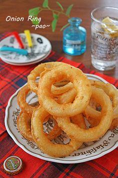 こんにちは。ぱおです。今日は新玉ねぎで簡単絶品おやつです。もちろんおつまみにも~♪春休みに息子達とファーストフードに行ってオニポテセットにしたのですが・・オニオンリング大好きな息子に1セットに2個しか... Onion Rings, Cooking Recipes, Restaurant, Vegetables, Ethnic Recipes, Food, Onions, Drink, Kitchens