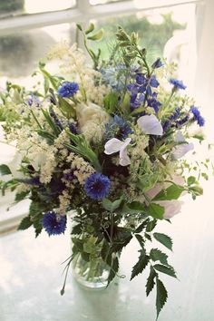 I love this look however it isn't for everyone - this is really a wildflower style bouquet, even though it uses flowers that we grow in the garden not ones we pick up on the side of the road. This also has a great colour scheme.