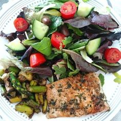 Sabrina´s Sea of Colors Cobb Salad, Chicken, Color, Shoe, Raisin, Stir Fry, Condensed Milk, Easy Cooking, Lunches