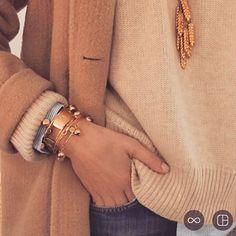 aureliebidermann Official @aureliebidermann Instagram photos Parisienne Chic, Bangles, Bracelets, Casual Fall, Fall Winter, Winter Style, Hermes, Winter Fashion, Fine Jewelry