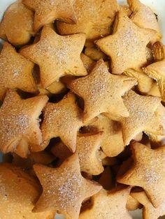 Τέλεια χριστουγεννιάτικα μπισκότα, καλοφτιαγμένα ευπαρουσίαστα λαχταριστά και φυσικά πεντανόστιμα Gingerbread Cookies, Christmas Cookies, Greek Recipes, Biscotti, Nutella, Food To Make, Sweet Tooth, Food And Drink, Cooking Recipes