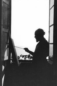 Matisse in his apartment in Nice, late 1910s.