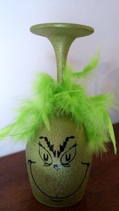 DIY Grinch Christmas crafts and decorationsGrinch Glitter Wine Glass. Christmas Wine Glasses, Glitter Wine Glasses, Diy Wine Glasses, Christmas Wine Bottles, Grinch Christmas Decorations, Diy Christmas Gifts, Handmade Christmas, Wine Glass Crafts, Wine Bottle Crafts
