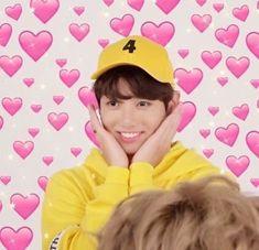 jungkook in yellow,,, i'm fucking dead K Meme, Kpop Memes, Super Funny Memes, Cute Memes, Bts Meme Faces, Funny Faces, K Pop, Lgbt, Bts Emoji