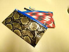 DIY Tutorial Duct tape pencil pouch.