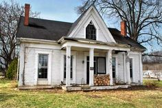 "thisoldhouse: "" Save This Old House: Historic Kentucky Farmhouse Start your own frontier adventure with this historic house in the Bluegrass State See full details and more photos at the This Old. Victorian Farmhouse, Victorian Homes, Modern Farmhouse, Farmhouse Style, Victorian Interiors, White Farmhouse, Farmhouse Rules, Victorian Cottage, This Old House"
