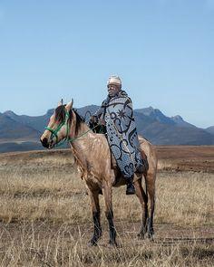 Thom Pierce - The Horsemen of Semonkong - Lucas Phethoka - Tsenekeng, Lesotho Hello Beautiful, Beautiful World, Military Costumes, Old Commercials, Commercial Art, Blonde Women, Photo Essay, Firebird, Artist At Work