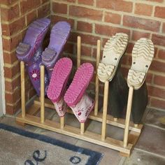 6 DIY Wooden Boot Rack Boot Organizer - - So come along with us and peek into the DIY 6 wooden boot rack or boot organizer ideas to do with your hands with less fuss and less money. You can build b. Boot Organization, Door Shoe Organizer, Diy Organizer, Organization Station, Household Organization, Organizing Ideas, Boot Storage, Garage Storage, Diy Storage