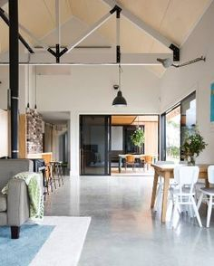 Red Architecture are a boutique architectural practice specialising in residential housing, commercial buildings and fitouts. Farmhouse Architecture, Modern Architecture, Modern Barn House, Best Barns, Pole Barn Homes, Shed Homes, A Boutique, Decoration, Building A House
