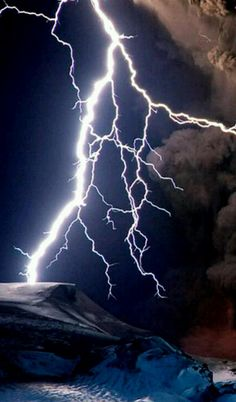 Thomas parents were striked by lightning during a storm when he was very young