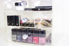 Makeup organizer from MosBox.dk