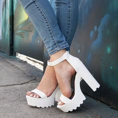 30 Chic Summer Shoes & Outfit Ideas – Street Style Look. The Best of footwear in - Sexy High Heels Women Shoes - Sexy High Heels Women Shoes Dream Shoes, Cute Shoes, Me Too Shoes, Shoe Boots, Shoes Heels, Man Shoes, Shoes Uk, Platform High Heels, Designer Shoes