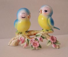 Norcrest birds on a blossomy bough Vintage Birds, Vintage Easter, Vintage Love, Vintage Decor, Vintage Antiques, Retro Vintage, Vintage Items, Vintage Stuff, Vintage Pottery