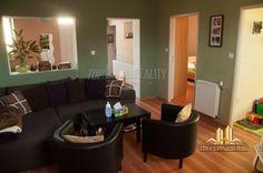 Na predaj moderne obnovený rodinný dom na veľkom pozemku v Kolárove :: TOP Reality