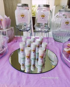 www.rodon.site Candy, Bar, Table Decorations, Home Decor, Decoration Home, Room Decor, Sweets, Home Interior Design, Candy Bars