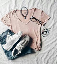 denim shorts & reg tshirt