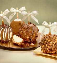 Gourmet Apple: four decadent caramel apple in one delicious gift
