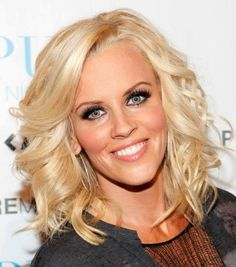 """The ever-gorgeous American model, activist and singer, and mother-of-one 'Jenny McCarthy' is a real inspiration for short hairs.Read More """"Jenny Mccarthy Hairstyles"""" Cut My Hair, Love Hair, Gorgeous Hair, Her Hair, Sleek Hairstyles, Pretty Hairstyles, Celebrity Hairstyles, Jenny Mccarthy Hair, Curly Hairstyles"""