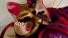 venetian mask cat knitting style