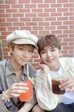 Leeteuk, Heechul, Kim Ryeowook, Siwon, Super Junior Members, Programa Musical, Bear Wallpaper, Anime Boyfriend, Kpop
