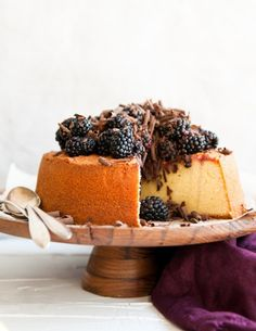 A simple pound cake with chocolate shavings & ripe blackberries