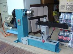 Fabricated Bowl Lathe - Max dia bowl around Diy Lathe, Wood Lathe, Woodworking Plans, Woodworking Projects, Woodworking Machinery, Lathe Projects, Wood Projects, Woodturning Tools, Wood Turning Lathe