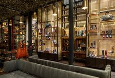 At their NYC flagship store, displays made from Banker Wire architectural mesh meet Frye Boots' high design and craftsmanship standards. Metal Mesh, Wire Mesh, Brass Metal, Contract Furniture, Retail Interior, Higher Design, Retail Space, Store Displays, Modern Industrial