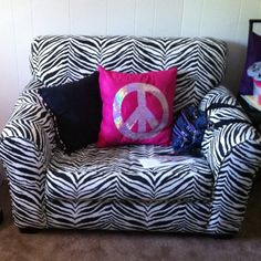 I found this zebra print couch at Ross for $150. Regularly priced at $375!! #bargainshopper