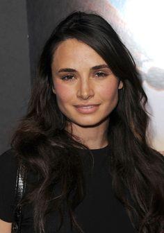 Mia Maestro es una actriz de Argentina. Ella es muy bonita y este en el cine do Twilight:Breaking Down.