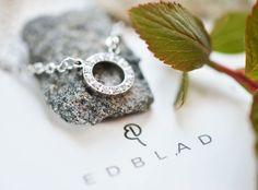 "Fina halsband i Edblads serie ""Glow"" | Necklace jewellery inspiration | www.mandeldesign.se"