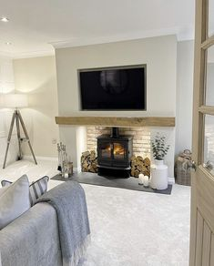 Cottage Living Rooms, Living Room Interior, Home Living Room, Living Room Designs, Living Area, Log Burner Living Room, Living Room Decor Fireplace, Fireplace Ideas, Feature Wall Living Room