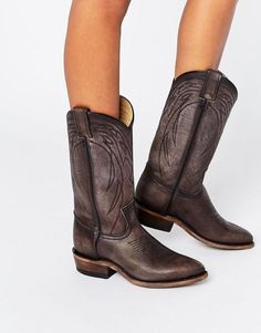 Frye Billy Pull On Western Leather Knee Boots