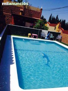 Se vende chalet con magnificas vistas en planta baja con piscina jardín 3 dormitorios 2 baños  120 m construidos en parcela de 270 m ,en una de las mejores zonas de algeciras, 168000€ negociables