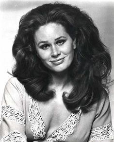 Actress Karen Black was born in 1939 -- she passed last year in Some of her films include Easy Rider, 5 Easy Pieces and Nashville. Dana Gillespie, Karen Black, Female Movie Stars, Black Actresses, Celebrity Caricatures, Hair Again, Easy Rider, Big Hair, Vintage Hairstyles